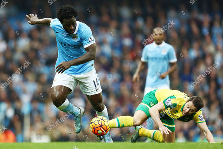 Wilfried Bony of Manchester City and Matthew Jarvis of Norwich City during the Barclays Premier League match between Manchester City and Norwich City played at the Etihad Stadium, Manchester on October 31st 2015