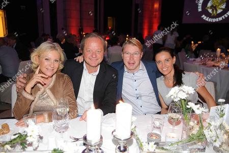 Sabine Christiansen, Hanjo Schneider, Mika Hakkinen, Marketa Remesova