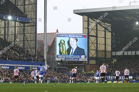 An image of Howard Kendall is displayed on the screen during the game