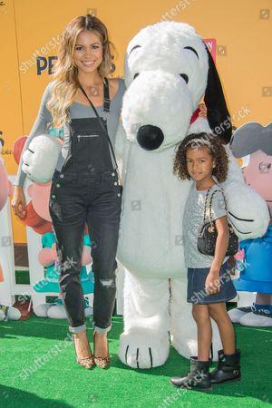 Jennifer Freeman, Snoopy and Isabella Amora Watson