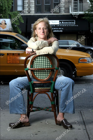 Stock Picture of Melissa Bank