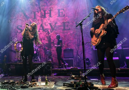 The Staves - Camilla Staveley-Taylor,Jessica Staveley-Taylor