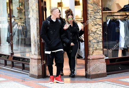 Ella Eyre indulged in some retail therapy with boyfriend Lewi Morgan from Rixton, ahead of her appearance at tonight's MOBO Awards