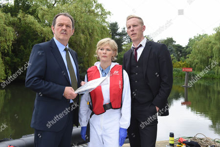 Kevin Whately as Lewis, Laurence Fox as Di James Hathaway and Clare Holman as Dr Laura Hobson.