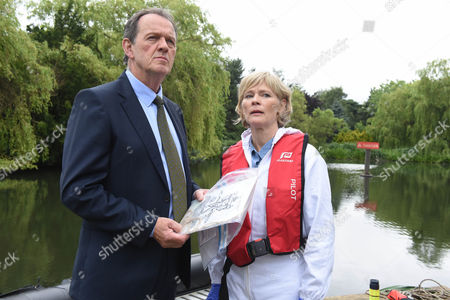 Stock Image of Kevin Whately as Lewis and Clare Holman as Dr Laura Hobson.