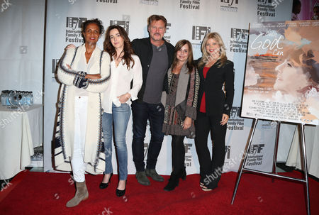 Stock Photo of Robbi Chong, Lisa Sheridan, Greg Evigan, Linda Flannery, Donna D
