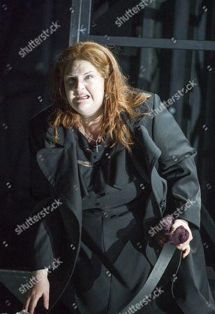Tamara Wilson as Donna Leonora