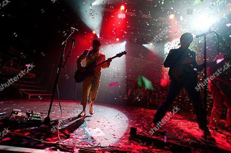 OK Go.  Tim Nordwind (left), Damian Kulash (right)