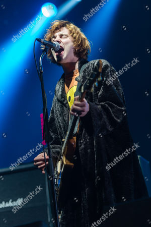 Peace - support act.  Harry Koisser