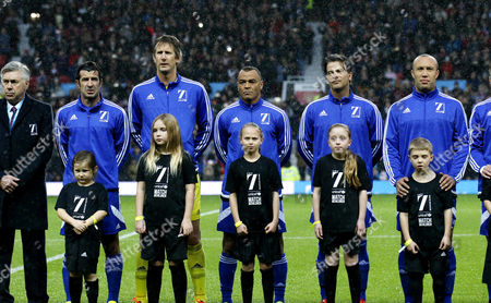 Luis Figo, Edwin van der Sar, Cafu, Mikael Silvestre and the rest of the World football team