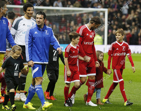 Luis Figo, David James, Cruz Beckham, David Beckham, Harper Beckham and Romeo Beckham