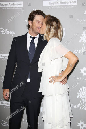 Oliver Hudson and Erinn Bartlett