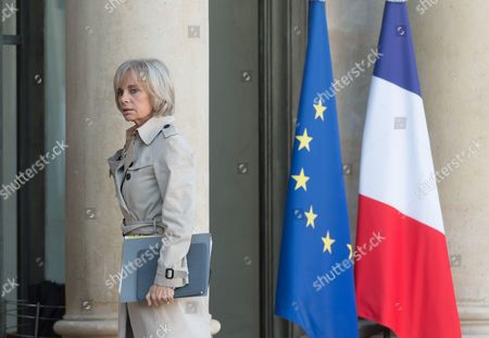 Elisabeth Guigou (PS) arriving at Elysee Palace for a meeting after the Paris attacks.