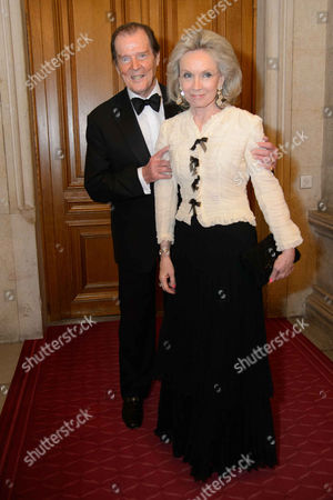 Sir Roger Moore, Lady Kristina Tholstrup