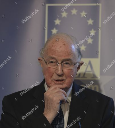 Brendan Halligan, IIEA Chairman introduces George Papandreou who will address at Institute of International and European Affairs (IIEA) during A New Vision for Europe and Greece: The Only Way Forward talk