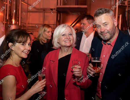 MP for Mitcham and Morden Siobhain McDonagh (C) with owners Nicola and Mark Gordon