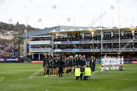 The two sides stand for a minutes silence in memory of those who died in the recent Paris Terror attacks and to mourn the passing of New Zealand rugby legend Jonah Lomu