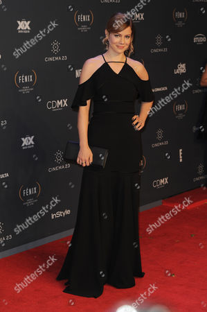 Leandra Leal arrives at The Fenix Iberoamerican Film Awards at Teatro de la Ciudad