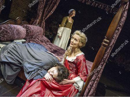 Beth Park as Abigail Hill, Natascha McElhone as Sarah Churchill, Emma Cunniffe as Queen Anne,