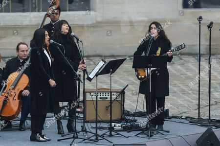 Camelia Jordana, Nolwenn Leroy, Yael Naim perform a tribute