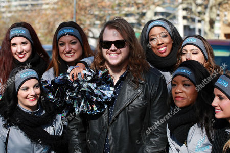 Caleb Johnson with fans