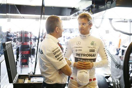 Paddy Lowe (GBR, Mercedes AMG Petronas Formula One Team), #6 Nico Rosberg (GER, Mercedes AMG Petronas Formula One Team)