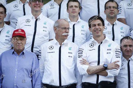 Niki Lauda (AUT, Mercedes AMG Petronas F1 Team), Dr. Dieter Zetsche (Chairman of the Board of Management of Daimler AG, Head of Mercedes-Benz Cars), Toto Wolff (AUT, Mercedes AMG Petronas Formula One Team), Paddy Lowe (GBR, Mercedes AMG Petronas Formula One Team),  team photo