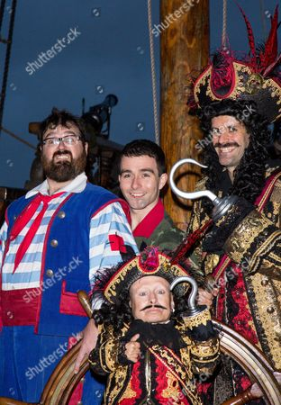 Jarred Christmas as Smee, George Ure as Peter Pan, Marcus Brigstocke as Captain Hook and Verne Troyer as Lofty the Pirate