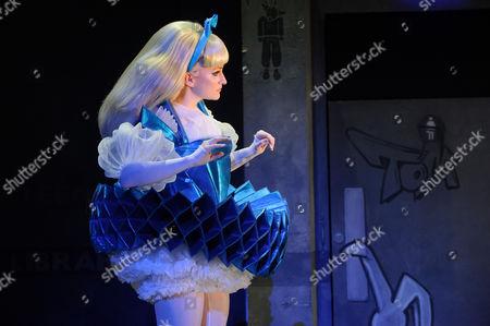 Carly Bawden (Alice - Avatar)