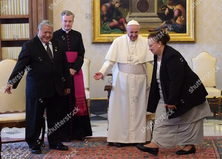 Pope Francis I meets the Tuilaepa Aiono Sailele Malielegaoi with his wife in the Private Library of the Apostolic Palace
