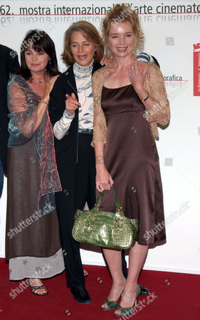 Photocall for 'Vers Le Sud' - Louise Portal, Charlotte Rampling and Karen Young