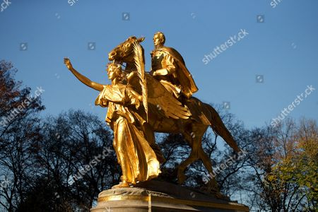 The statue of General William Tecumseh Sherman by Augustus St.Gaudens, Grand Army Plaza, Central Park, Manhattan, New York, America
