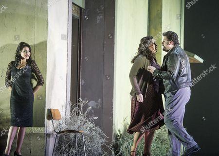 Martina Belli as Lola, Eva-Maria Westbroek as Santuzza, Aleksandrs Antonenko as Turiddu