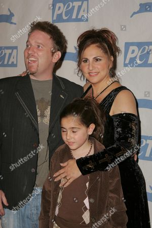 Dan Finnerty with Kathy Najimy and their daughter