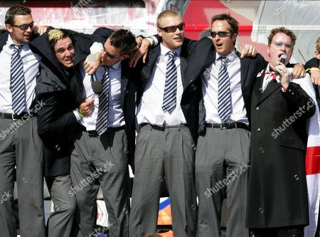 Editorial photo of ENGLAND CRICKET TEAM ASHES VICTORY PARADE, TRAFALGAR SQUARE, LONDON, BRITAIN - 13 SEP 2005