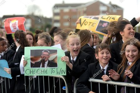 X Factor finalist Che Chesterman and Nick Grimshaw visit Basildon town centre and Woodlands school