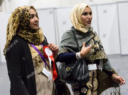 Ayesha Farid (L), the wife of former Mayor of Tower Hamlets, Lutfur Rahman with Independent candidate, Rabina Khan (R)