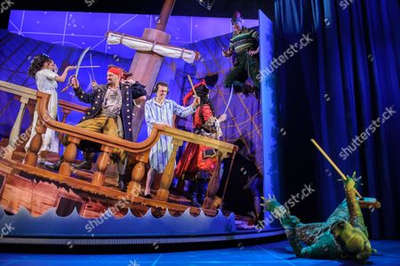 Charlie Russell (Wendy Darling), Tom Edden (Cecco the Pirate), Jonathan Sayer (John Darling), Henry Shields (Captain Hook), Greg Tannahill (Peter Pan), Dave Hearn (Crocodile)