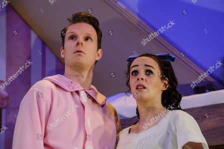 Dave Hearn (Michael Darling), Charlie Russell (Wendy Darling)