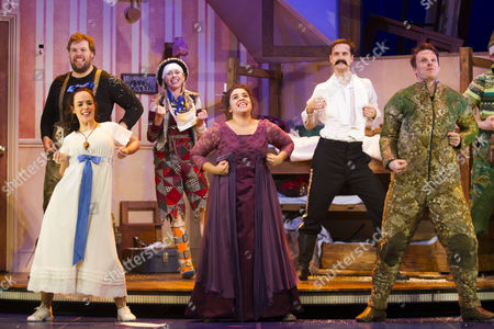 Henry Lewis (Author/Robert), Charlie Russell (Sandra), Nancy Wallinger (Annie), Henry Shields (Author/Chris) and Dave Hearn (Max) during the curtain call