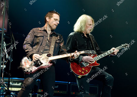 Ricky Warwick and Scott Gorham