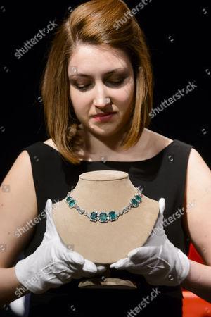 An art deco emerald and diamond necklace circa 1930 - £120,000 - £180,000