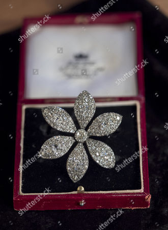 Items that belonged to Baroness Margaret Thatcher - jewellery