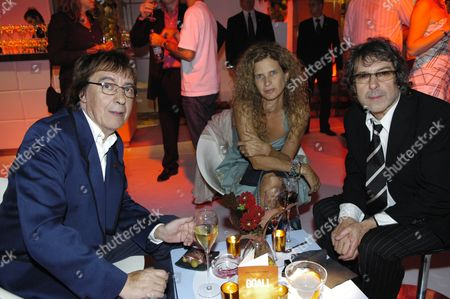 Bill Wyman, wife Suzanne and Ian La Frenais