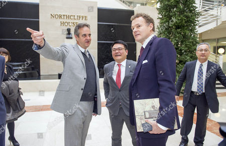 Lord Rothermere Chairs A Meeting With Chinese Delegates And Dmgt Executives To Discuss Online Strategies.