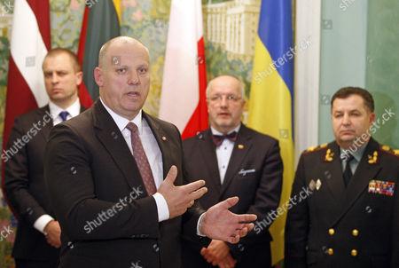 Polish Deputy Defence Minister Tomasz Szatkowski, Latvian Defence Minister Raimonds Bergmanis, Lithuanian Defence Minister Juozas Olekas and Ukrainian Defence Minister Stepan Poltorak