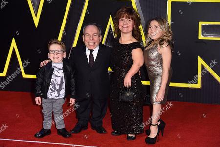Warwick Davis, Samantha Davis and children