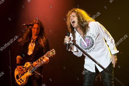 Joel Hoekstra and David Coverdale performs