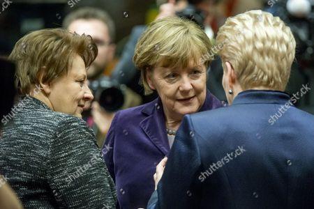 Laimdota Straujuma and Angela Merkel