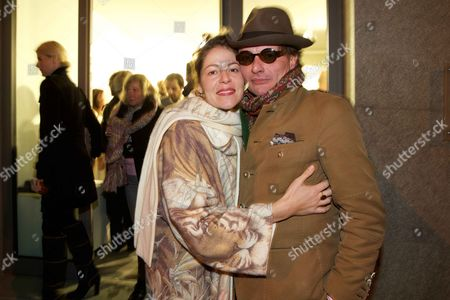 Lola Schnabel and fiance Marco